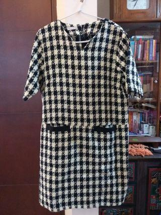 B&W houndstooth tweed chic dress