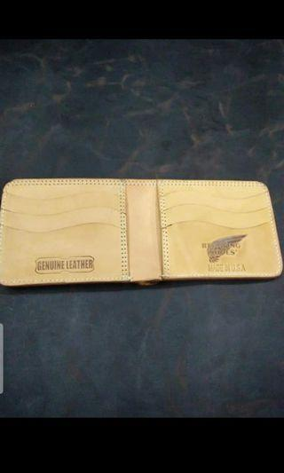 Dompet red wing