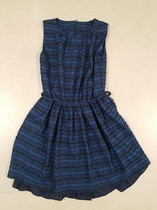 深藍色返工斯文裙