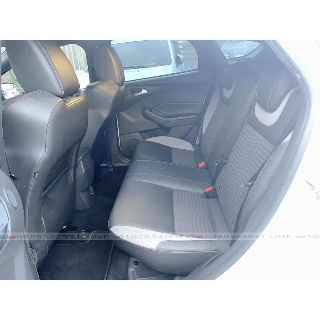 福特2013年FOCUS ST - 白色2.0手排-跑12萬