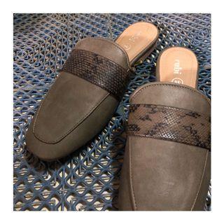 【二手】綠色蛇紋穆勒鞋