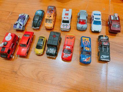Grab Bag- 15 PCs of Die cast Preloved Toy Cars