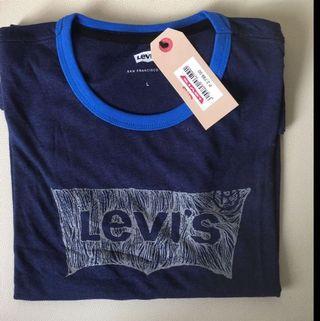 BNWT Levis (L, XL)