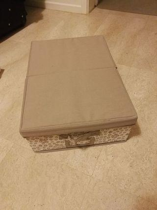 🚚 IKEA clothes box with lid