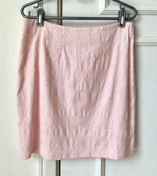 Pink embroidery skirt