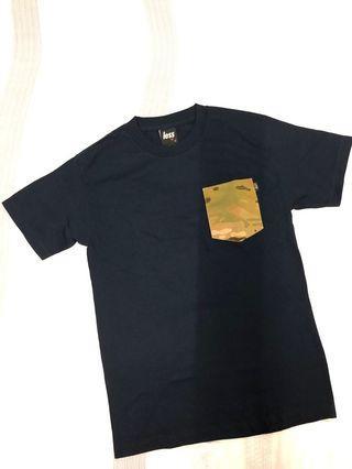 Less 深藍 迷彩口袋TEE 短袖上衣 T恤 TEE