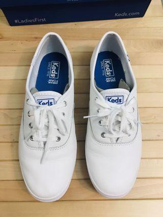Keds 皮革綁帶小白鞋