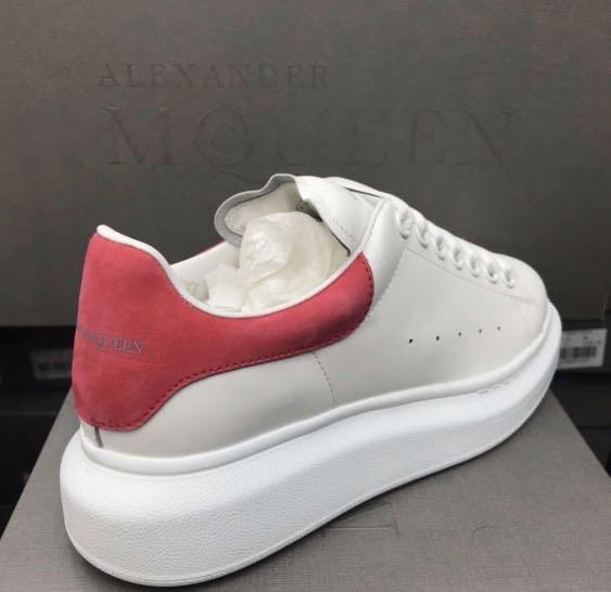 全新正貨Alexander McQueen Sneakers 桃紅尾女裝, 女裝, 女裝鞋- Carousell