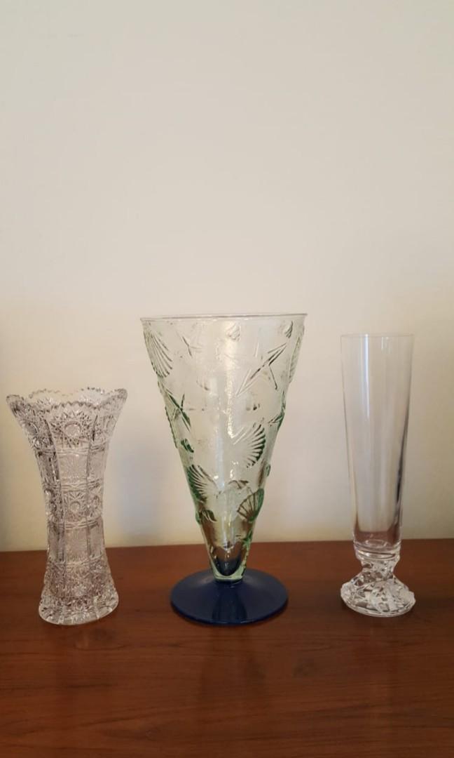 Carousell & GLASS FLOWER VASES (SET OF 3)