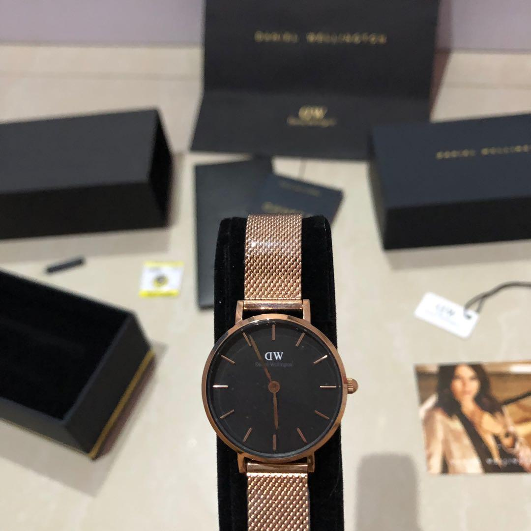 Jam Daniel Wellington Petite Melrose ( Black Gold Rosegold) Ready 28 & 32 mm