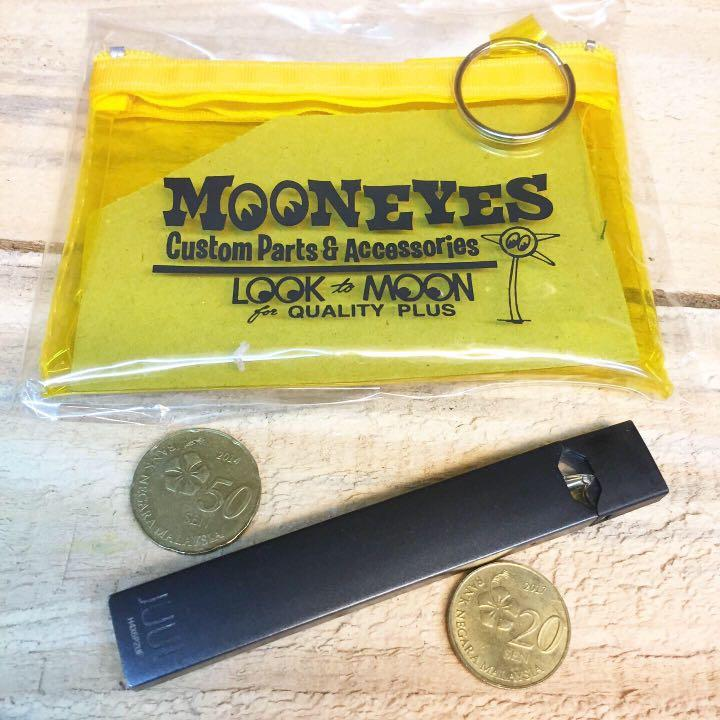 Mooneyes Key Ring Coin Pouch