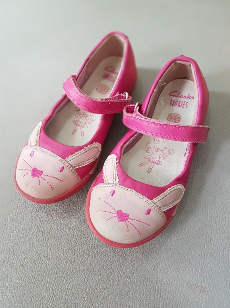 Sepatu anak pink Clarks