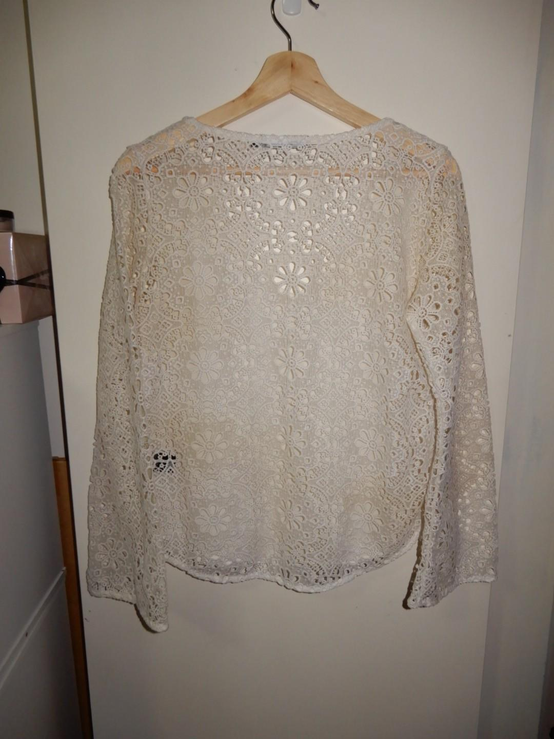 Sportsgirl white lace long wide sleeve top size XS