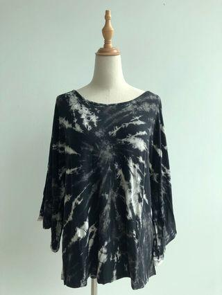 Blouse tie dyed