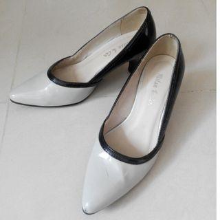 Elegant white-black heels size 36