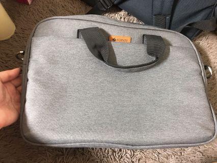 灰色13.3吋電腦包