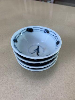 Old Small bowl (4pcs)