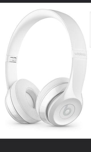Beats solo 3 in white