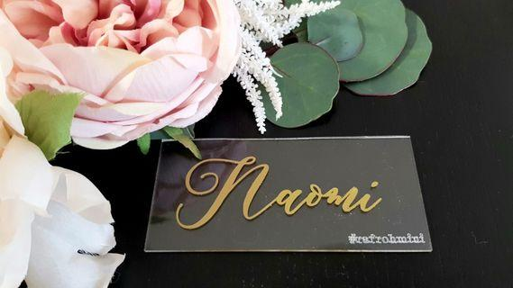 🚚 Wedding place cards