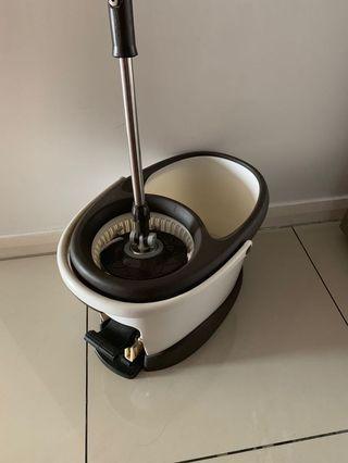 Step & spin Microfiber mop & bucket