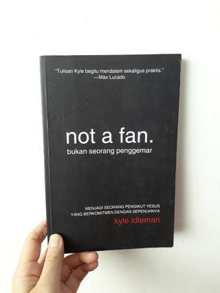 Buku not a fan - Kyle Idleman books
