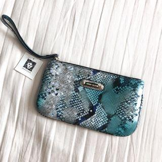 [67% OFF] Anne Klein alligator alley slgs (crocodile/snakeskin pattern blue pouch) 藍色 鱷魚/蛇皮紋袋仔 化妝袋 散子包