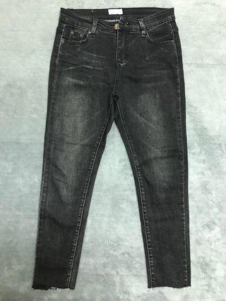 黑色牛仔褲