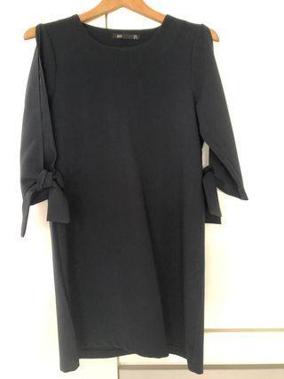 🚚 Black shift dress
