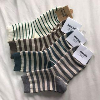 🚚 BRAND NEW STRIPE SOCKS