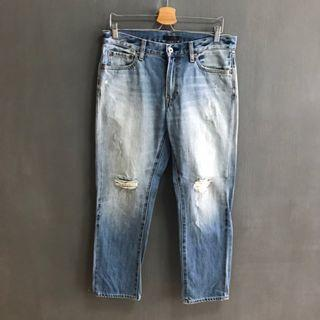 🚚 UNIQLO RIPPED JEANS (BRAND NEW)