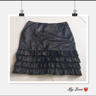Black ruffles skirt