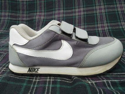 Nike shoe's