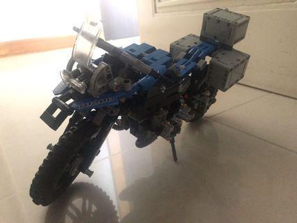 Lego 42063 BMW R 1200 GS ADVENTURE (完成品)