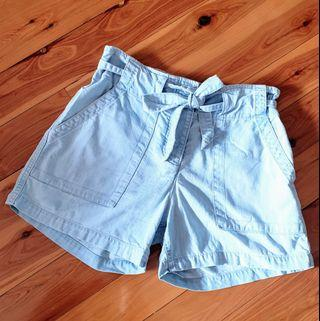 Women's size 4 'COUNTRY ROAD' Gorgeous faded denim tie up shorts - AS NEW