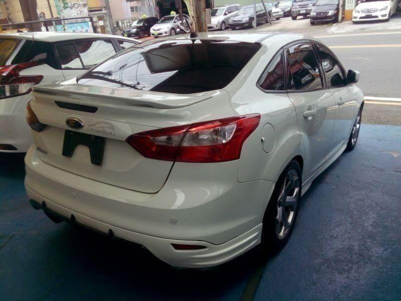 2013年 福特 Focus 1.6 四門