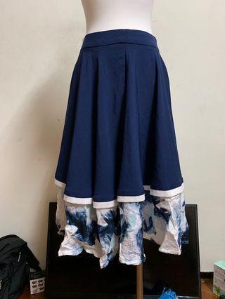 🚚 Starmimi藏藍裙擺優雅設計感長裙