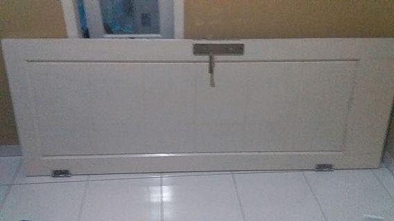 Daun pintu kamar tidur