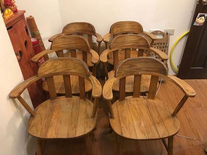 實木餐桌椅(六張 500$)自取