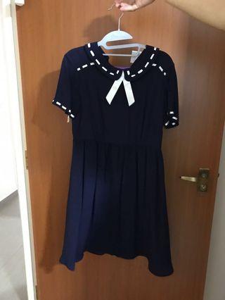 🚚 ASOS maternity dress