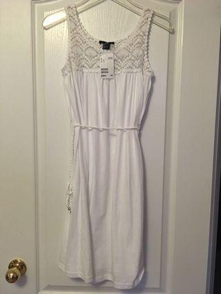 BNWT H&M Dress - Small