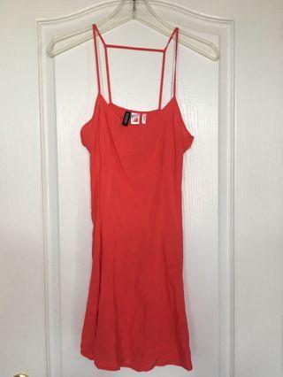 BNWOT - H&M Dress Small