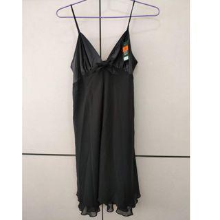 全新Marks & Spencer 黑色吊帶裙