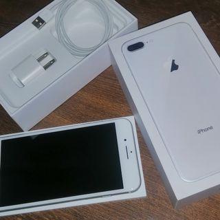 IPHONE 8 PLUS 64G 5.5吋 銀色 完全無傷  功能全正常 配件 盒裝如圖 可貼換