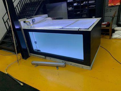 6ft by 4ft by 2.5ft fiber glass tank with glass panel