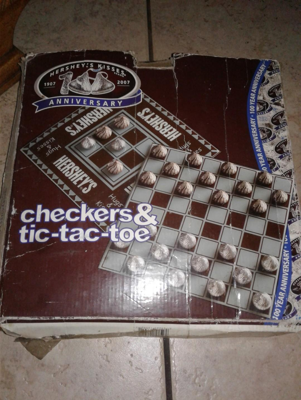 Hershey's kisses 100 anniversary checkers& tic-tac-toe board game