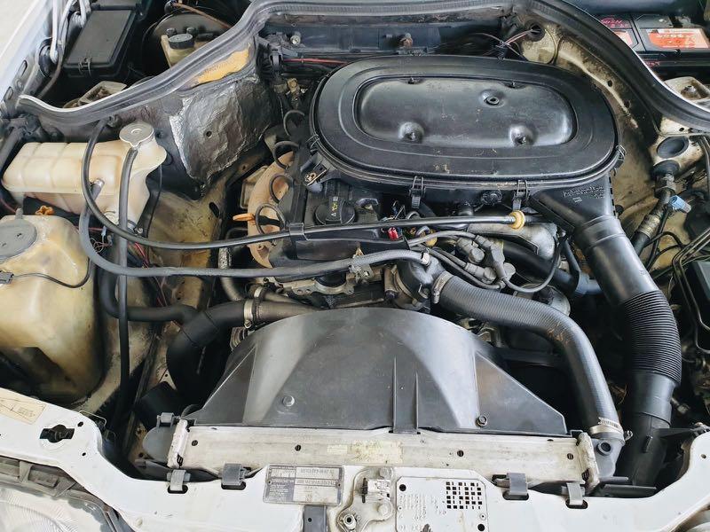 Mercedes-Benz E-Class E200 Auto