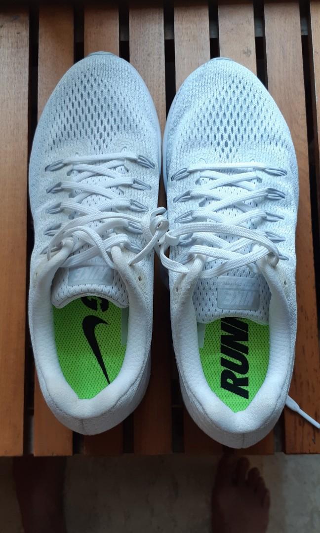 NIKE FULL LENGTH ZOOM AIR running shoes