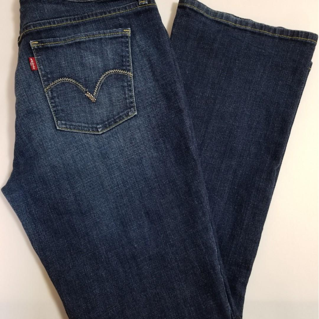 Pre-owned Authentic Levi's 515 Women Bootcut Jeans (size: 6M)