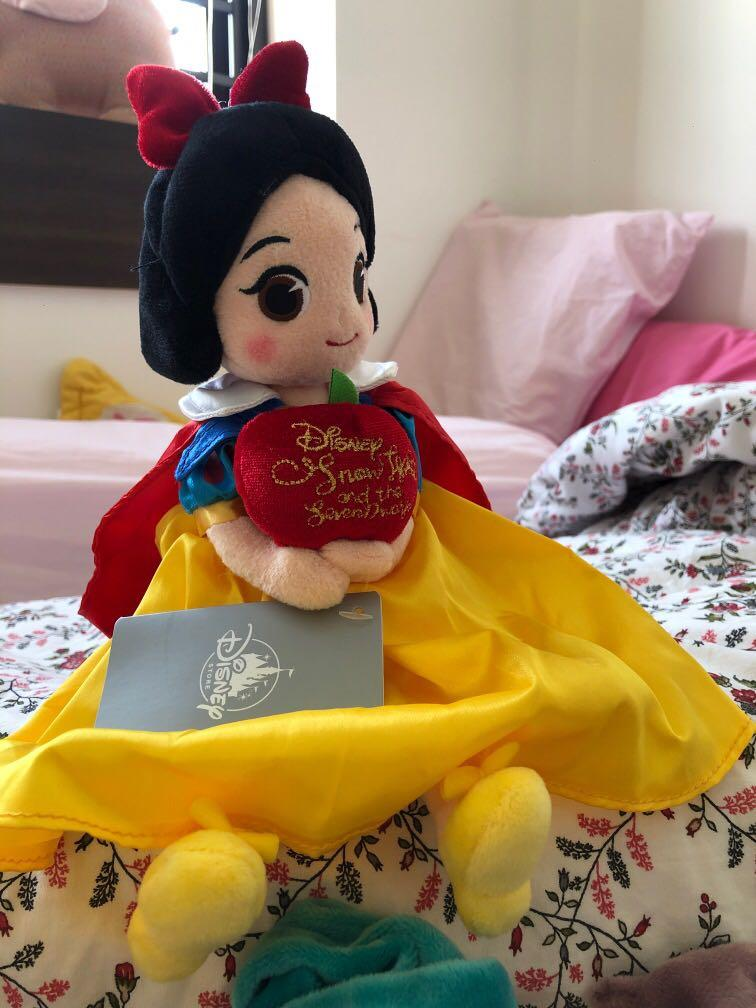 Snow White and the Seven Dwarfs 80th Anniversary Merchandise