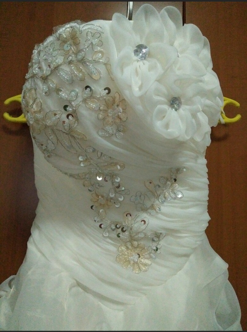 strapless wedding gown with veil